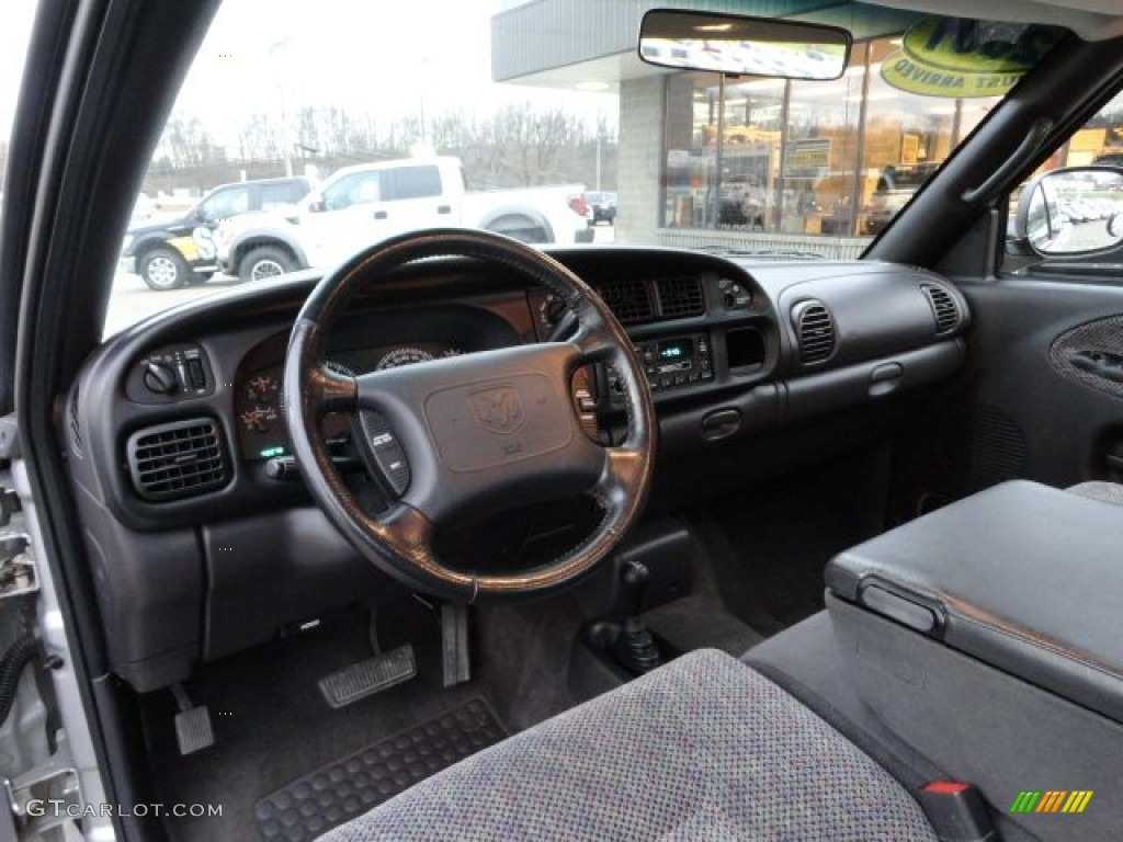 2001 dodge ram 1500 sport club cab 4x4 mist gray dashboard. Black Bedroom Furniture Sets. Home Design Ideas