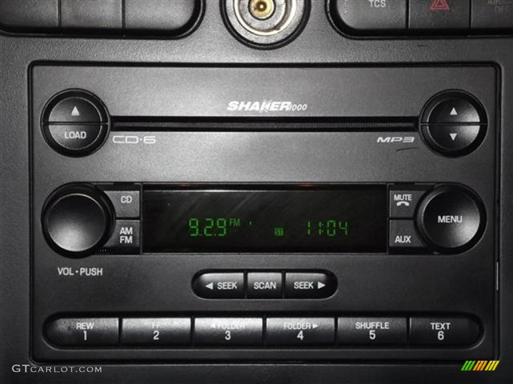 2006 Ford Mustang GT Premium Coupe Audio System Photo #57600342