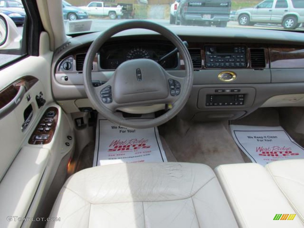 1999 ivory parchment pearl tri coat lincoln town car cartier 57611147 photo 23. Black Bedroom Furniture Sets. Home Design Ideas