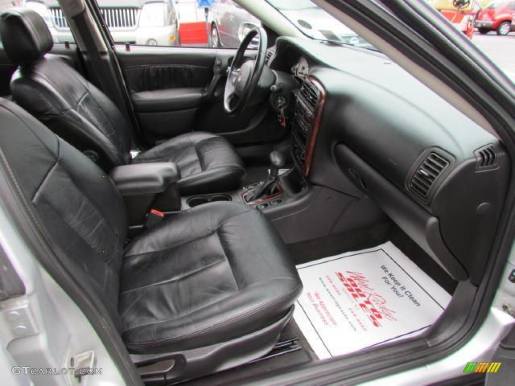 Black interior 2002 saturn l series l300 sedan photo 57630529
