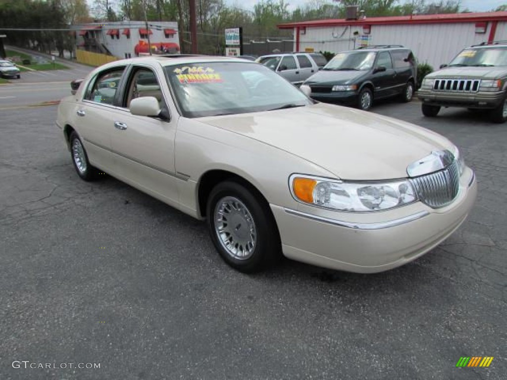 2001 ivory parchment tri coat lincoln continental 57611095 car color galleries. Black Bedroom Furniture Sets. Home Design Ideas