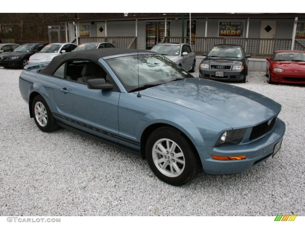 2006 Mustang V6 Deluxe Convertible - Windveil Blue Metallic / Dark Charcoal photo #1