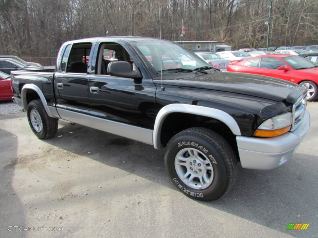 2004 Dakota SLT Quad Cab 4x4 - Black / Dark Slate Gray photo #1