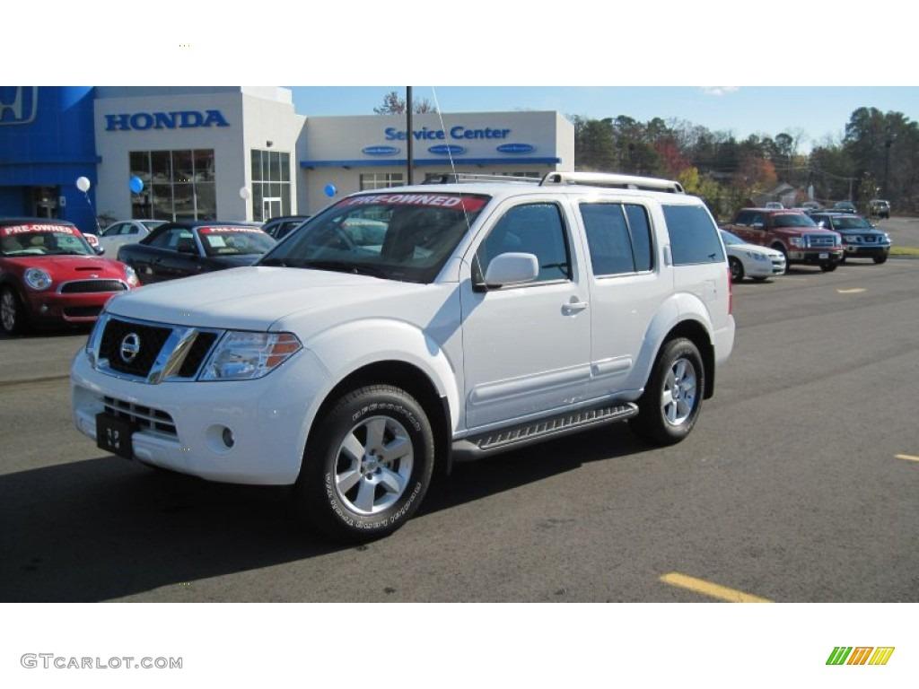 2010 Avalanche White Nissan Pathfinder Se 57610449