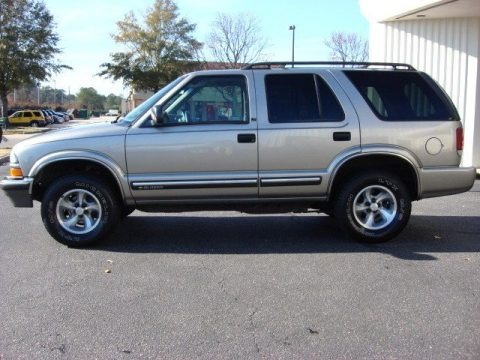 2000 Chevrolet Blazer LT Data, Info and Specs | GTCarLot.com