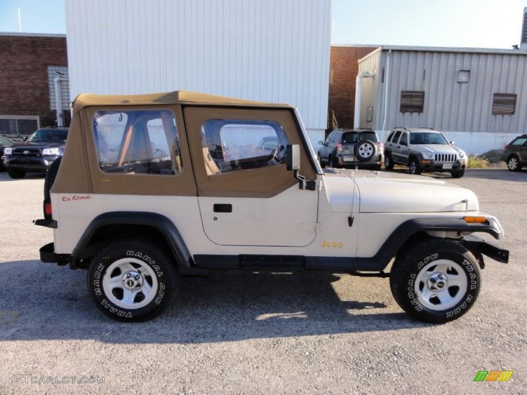 Light Pearlstone Pearl 1995 Jeep Wrangler Rio Grande 4x4