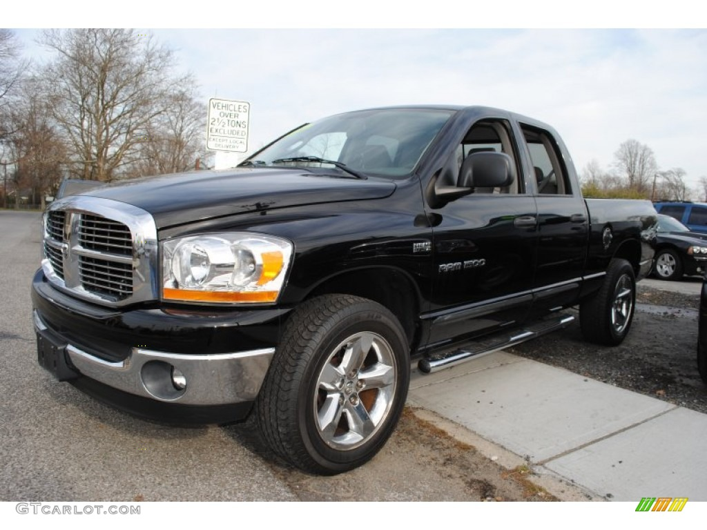2006 Ram 1500 SLT Quad Cab 4x4 - Black / Medium Slate Gray photo #1