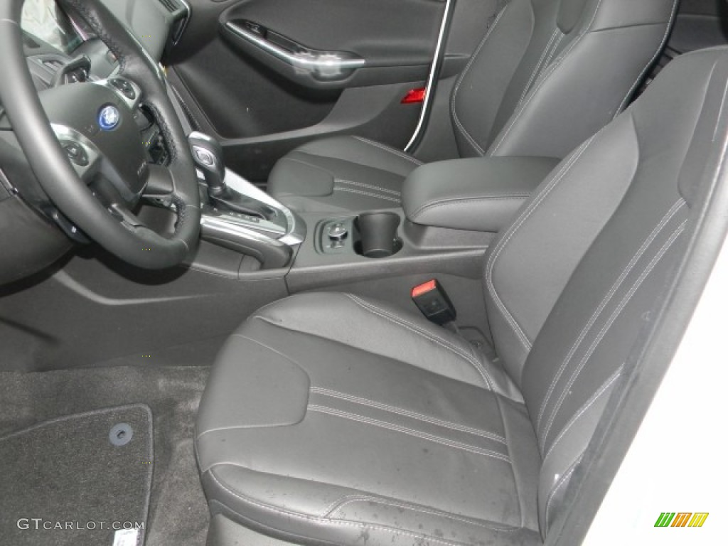 2012 Focus Titanium 5-Door - White Platinum Tricoat Metallic / Charcoal Black Leather photo #7