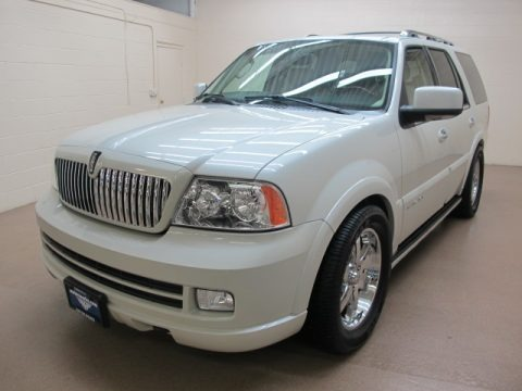 2005 lincoln navigator luxury 4x4 data info and specs. Black Bedroom Furniture Sets. Home Design Ideas