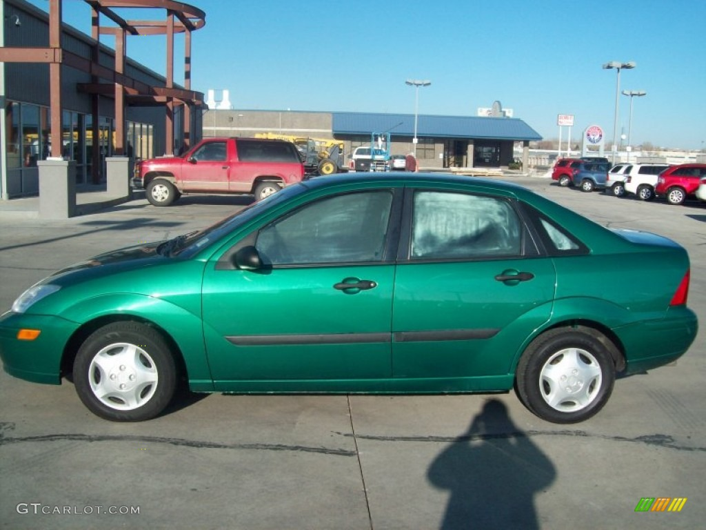 Grabber Green Metallic 2002 Ford Focus LX Sedan Exterior Photo #57908248