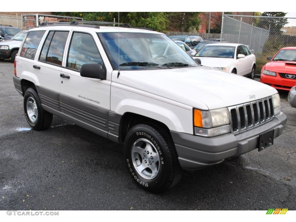 1998 white jeep grand cherokee