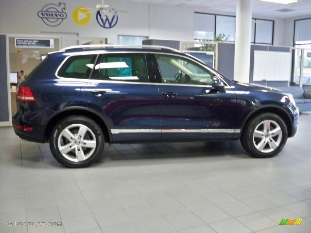 2011 night blue metallic volkswagen touareg tdi lux. Black Bedroom Furniture Sets. Home Design Ideas