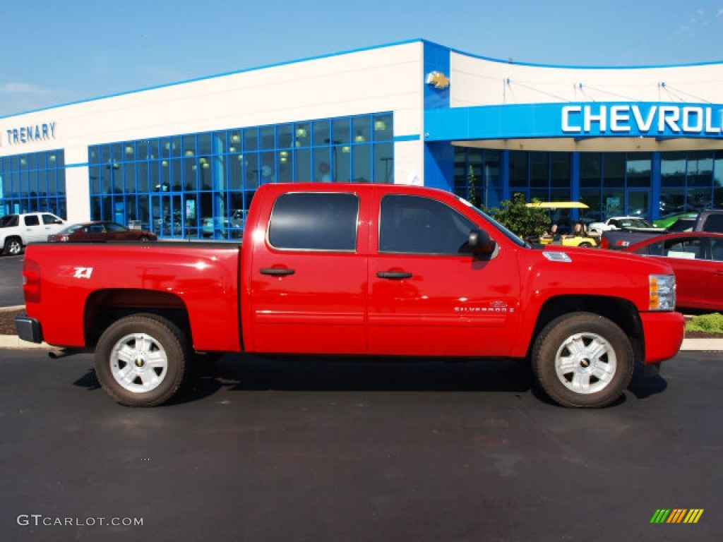 2009 Silverado 1500 LT Crew Cab 4x4 - Victory Red / Ebony photo #1