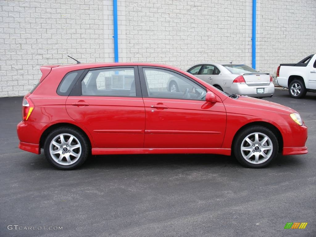 radiant red 2005 kia spectra 5 wagon exterior photo. Black Bedroom Furniture Sets. Home Design Ideas