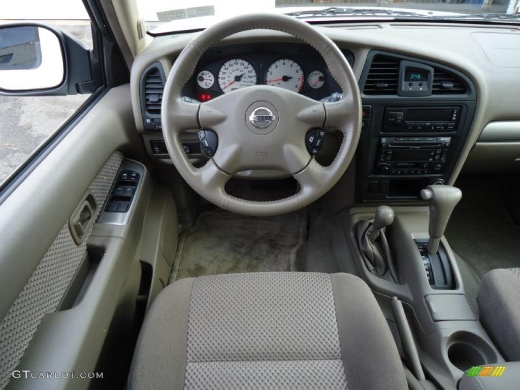 2004 Nissan Pathfinder Se 4x4 Beige Dashboard Photo