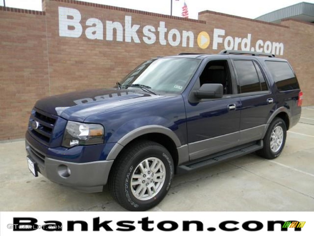Dark blue pearl metallic ford expedition