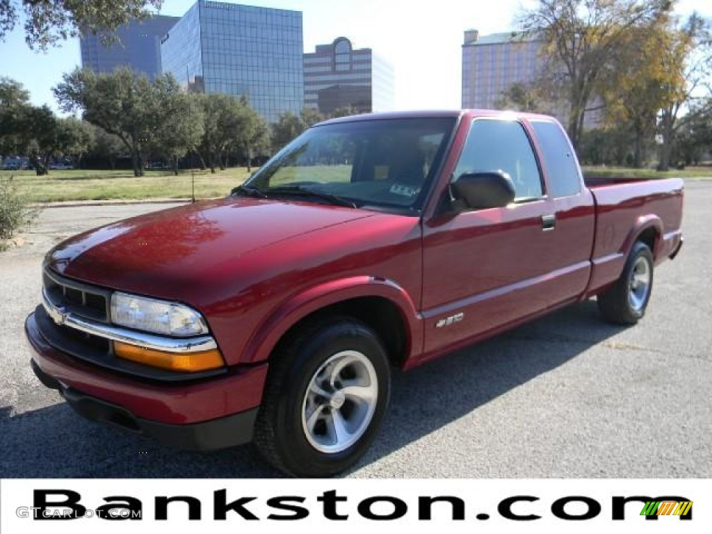Dark Red Car Paint Colors >> 2002 Dark Cherry Red Metallic Chevrolet S10 LS Extended Cab #57872109 | GTCarLot.com - Car Color ...