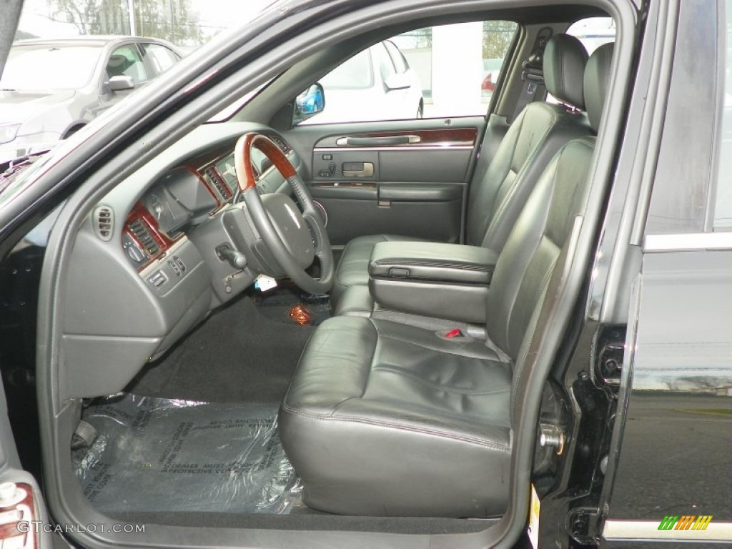 black interior 2011 lincoln town car signature limited photo 58217176. Black Bedroom Furniture Sets. Home Design Ideas