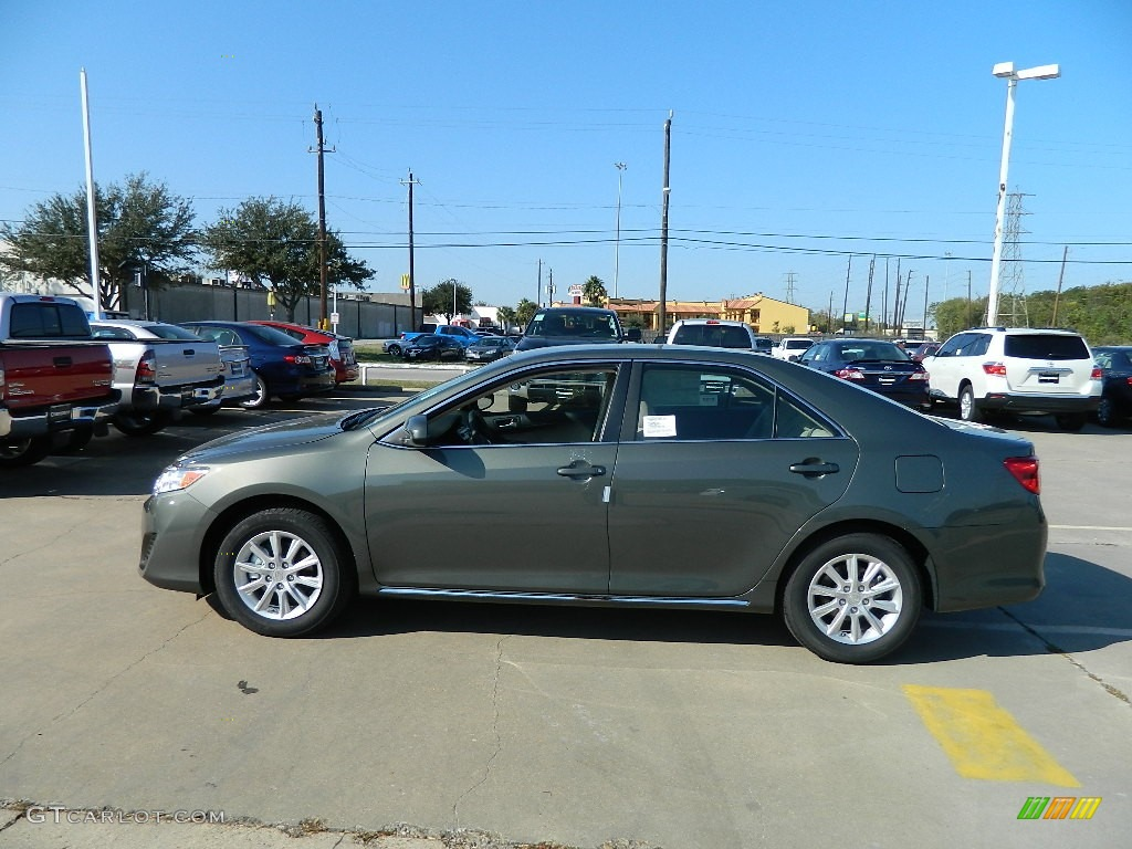 Cypress Green Pearl 2012 Toyota Camry Le Exterior Photo