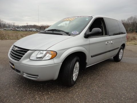 2005 chrysler town country lx data info and specs. Black Bedroom Furniture Sets. Home Design Ideas