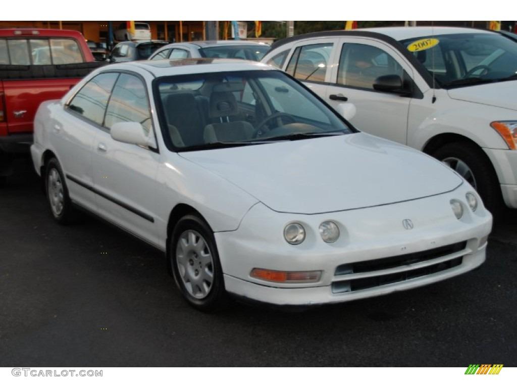 Frost White 1995 Acura Integra LS Sedan Exterior Photo #58470720 | GTCarLot.com