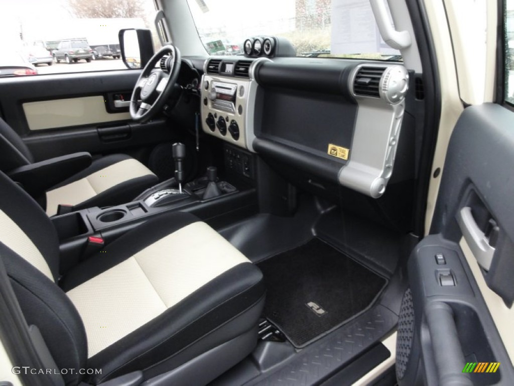 2010 Toyota FJ Cruiser Trail Teams Special Edition 4WD Interior Photo  #58471221