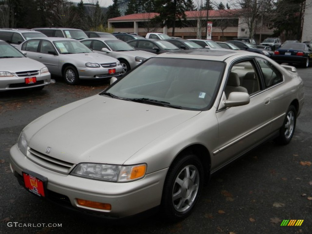 Cashmere Metallic 1994 Honda Accord Ex Coupe Exterior
