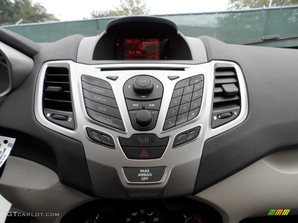 2012 ford fiesta se sfe hatchback controls photo 58658290. Black Bedroom Furniture Sets. Home Design Ideas