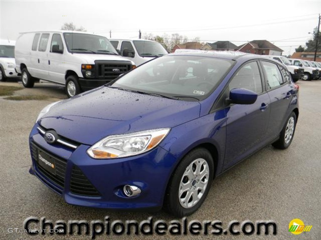 2012 Focus SE 5-Door - Sonic Blue Metallic / Stone photo #1