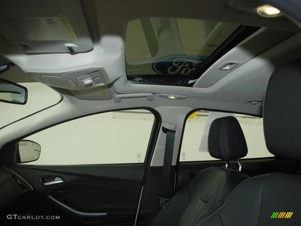 2012 Focus Titanium Sedan - White Platinum Tricoat Metallic / Charcoal Black photo #18