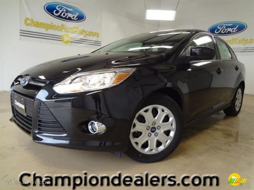 2012 Focus SE Sedan - Tuxedo Black Metallic / Charcoal Black photo #1
