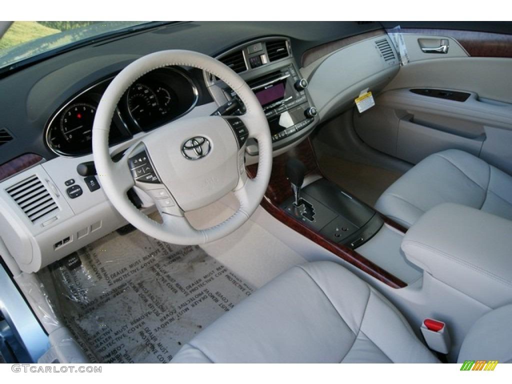 2012 toyota avalon interior photo 58771593 gtcarlotcom for Toyota avalon interior dimensions