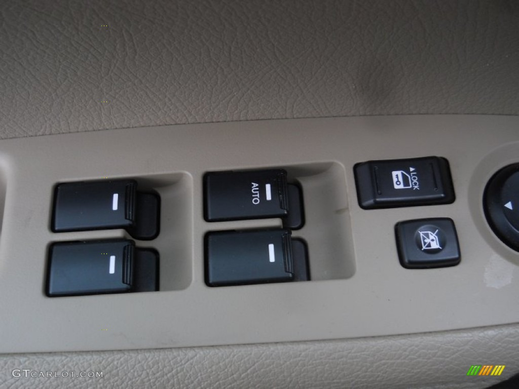 2011 Sorento LX V6 AWD - Spicy Red / Beige photo #10