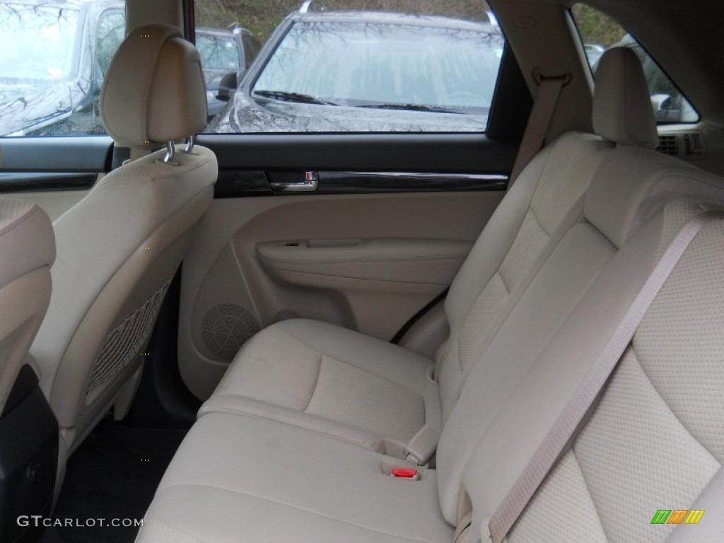 2011 Sorento LX V6 AWD - Spicy Red / Beige photo #21