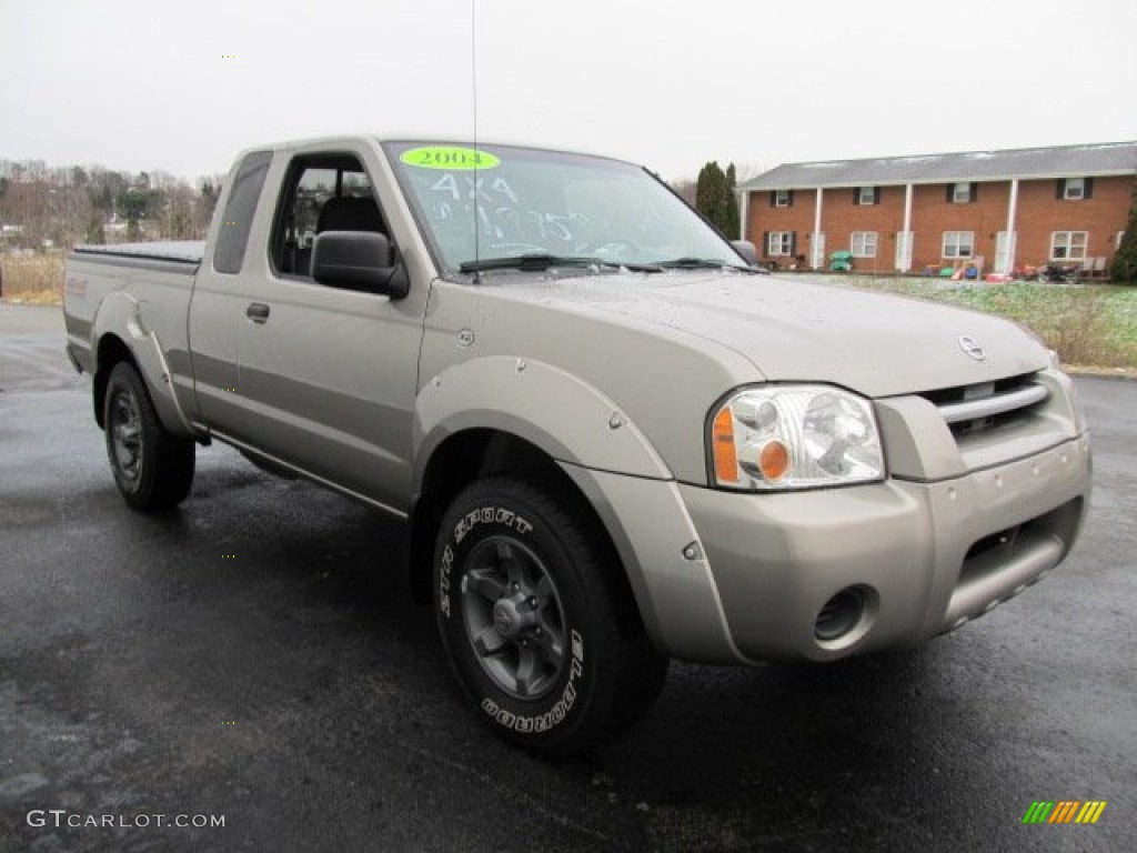 Sand Dune Metallic 2004 Nissan Frontier XE V6 King Cab 4x4 Exterior Photo  #58860772