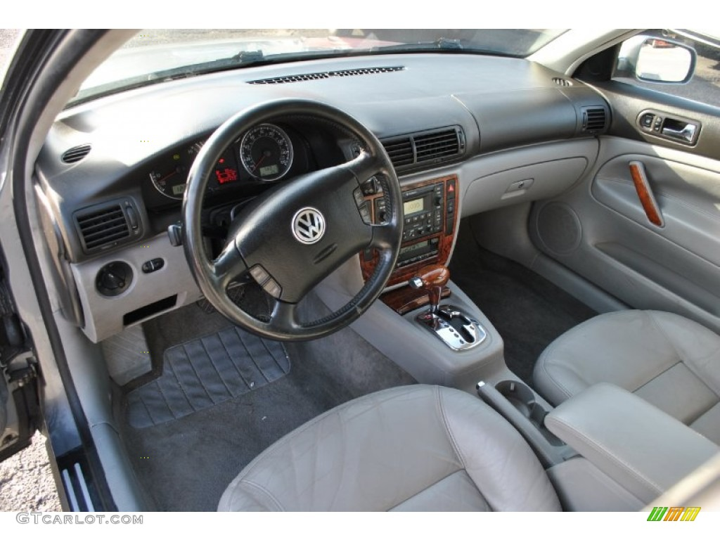 Grey Interior 2003 Volkswagen Passat Glx Wagon Photo 58862908