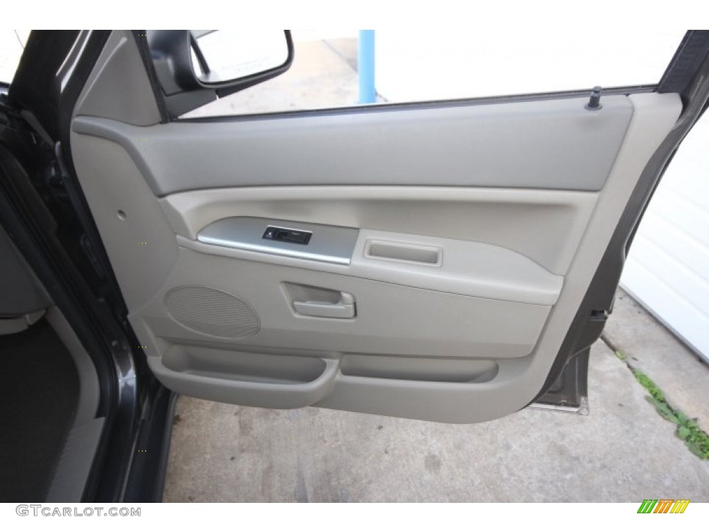 2005 Jeep Grand Cherokee Laredo Khaki Door Panel Photo 58863988