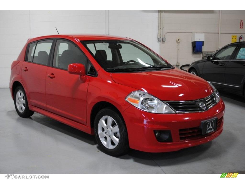 2010 red alert nissan versa 18 sl hatchback 58852914 photo 14 red alert nissan versa vanachro Choice Image