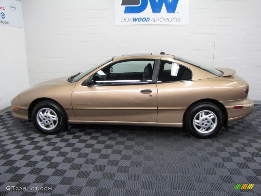 1998 Gold Metallic Pontiac Sunfire Se Coupe 58915453 Photo 5 Gtcarlot Com Car Color Galleries