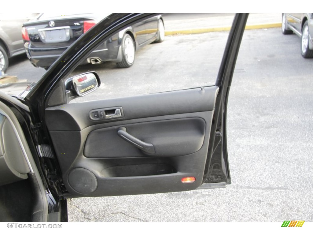 2003 Volkswagen Jetta Gl 1 8t Sedan Black Door Panel Photo 58955556