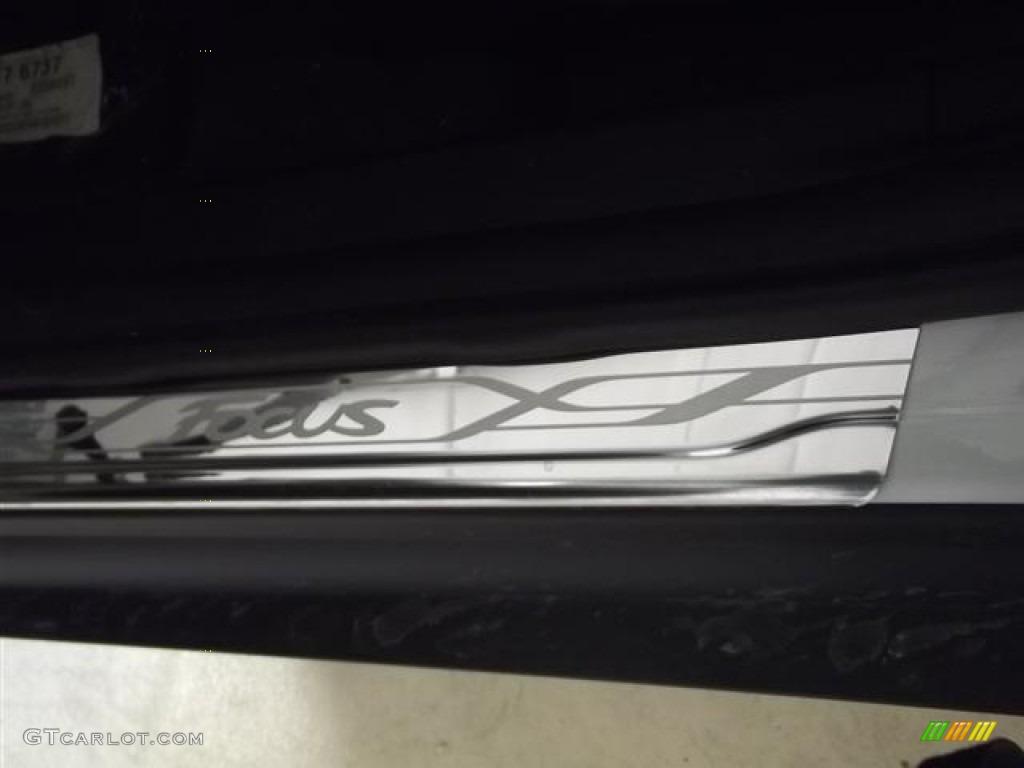 2012 Focus Titanium 5-Door - White Platinum Tricoat Metallic / Arctic White Leather photo #27