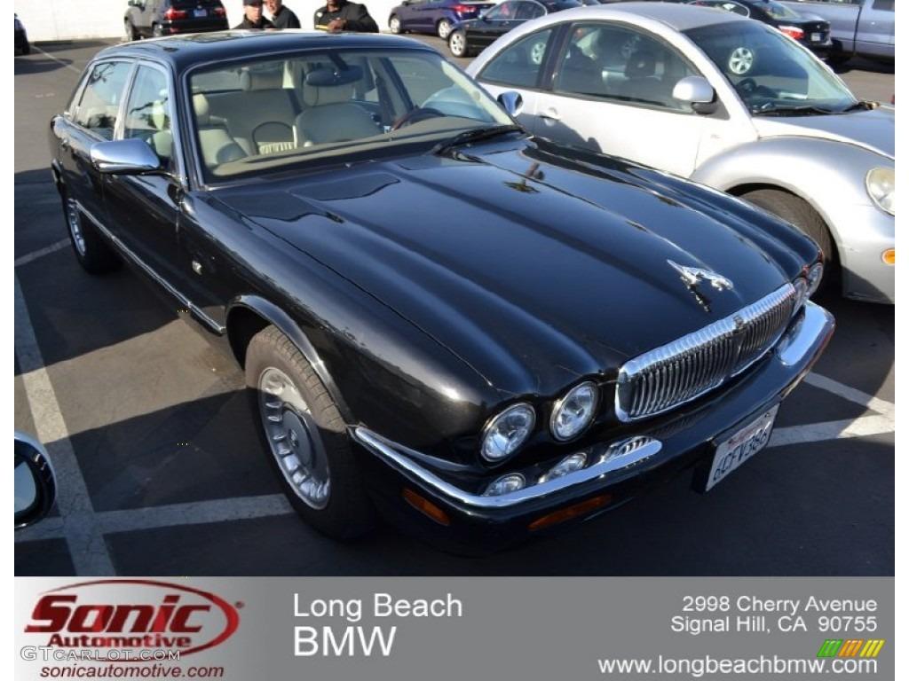 Anthracite Mica Jaguar XJ. Jaguar XJ Vanden Plas