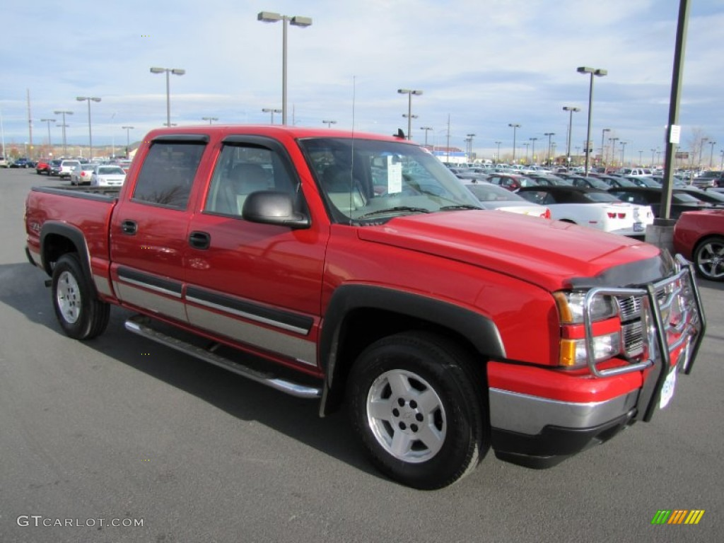 2006 Silverado 1500 LT Crew Cab 4x4 - Victory Red / Medium Gray photo #1