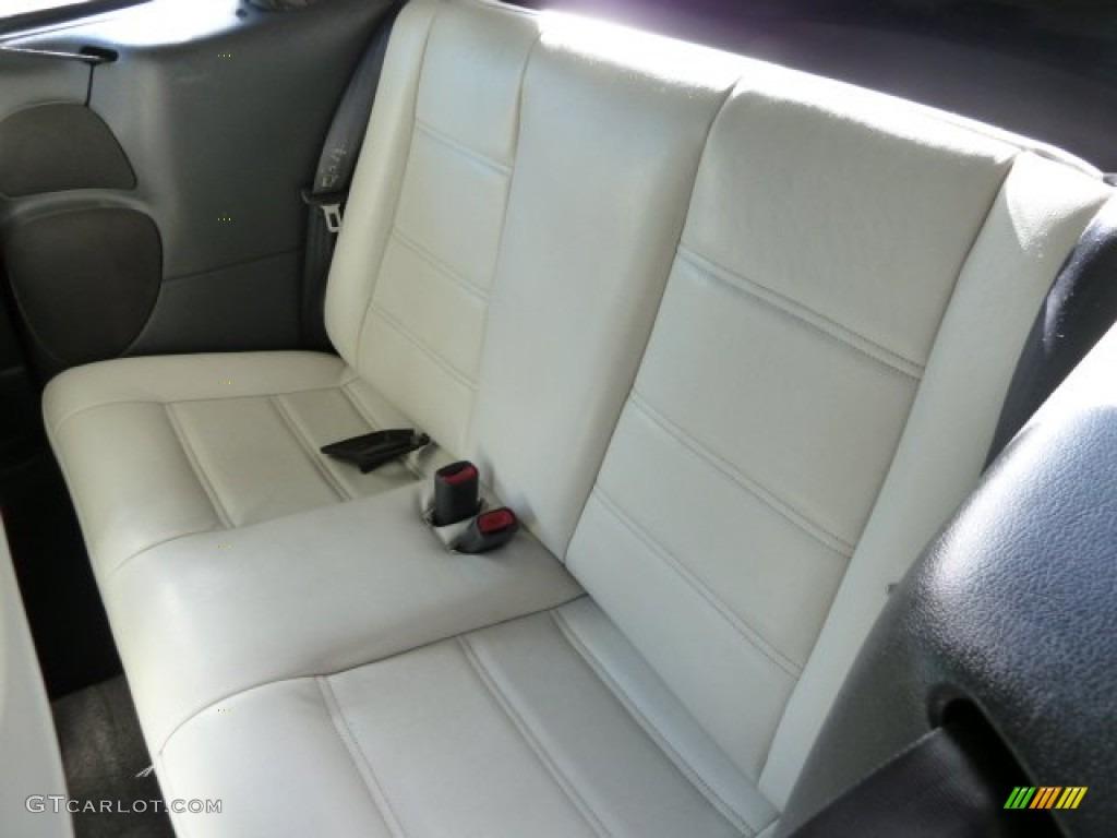 2001 Mustang V6 Convertible - Laser Red Metallic / Oxford White photo #9