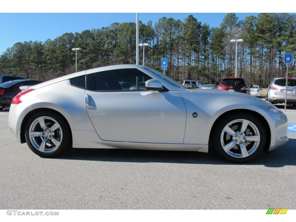 brilliant silver 2010 nissan 370z touring coupe exterior. Black Bedroom Furniture Sets. Home Design Ideas