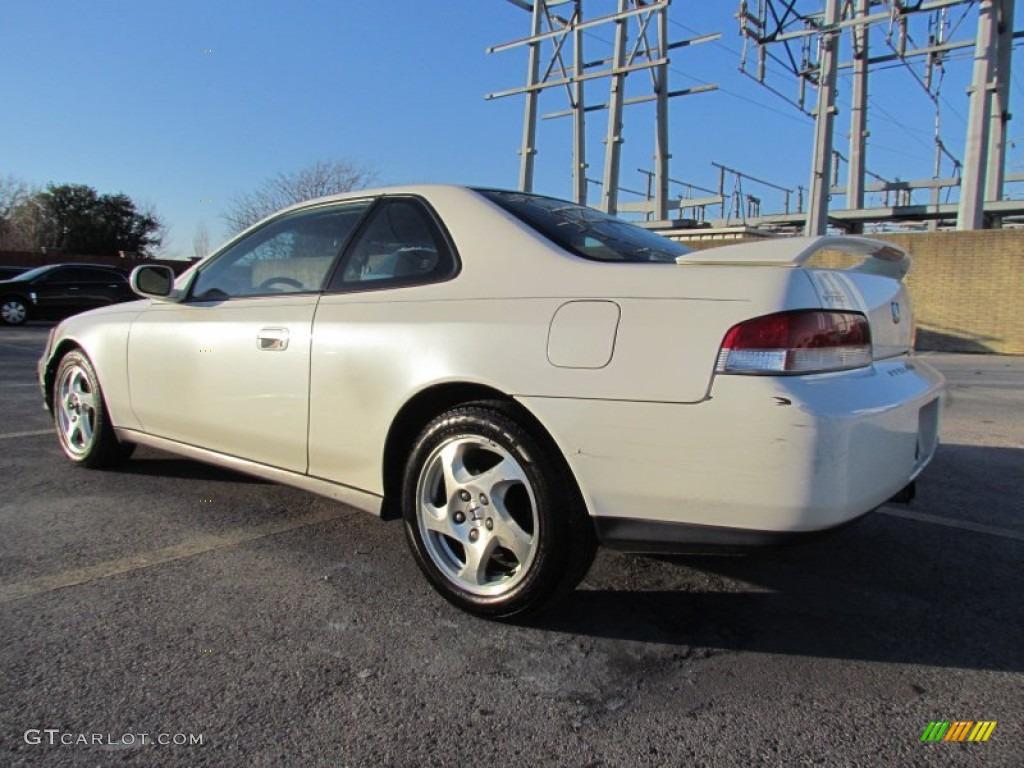 Premium white pearl 2001 honda prelude standard prelude model exterior photo 59333260