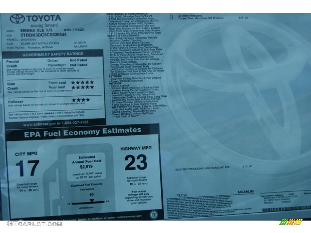 2012 Sienna XLE AWD - Silver Sky Metallic / Light Gray photo #17