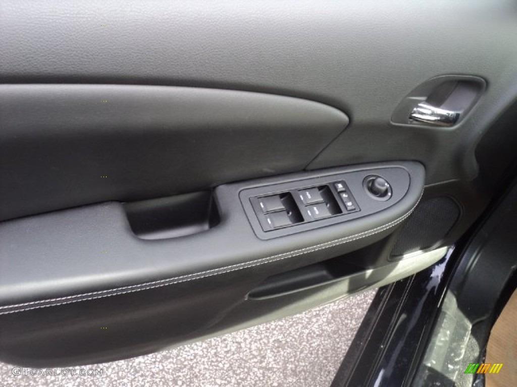 Blackberry Pearl Coat - 2012 Chrysler 200 Limited Sedan ...  |2012 Chrysler 200 Limited Blackberry Pearl