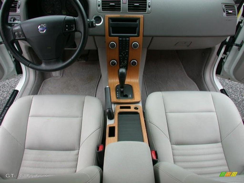 Dark beige quartz interior 2008 volvo v50 2 4i photo 59418563
