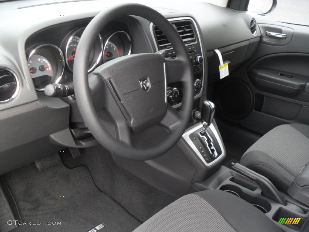 Dark slate gray interior 2012 dodge caliber sxt photo for Dark grey interior